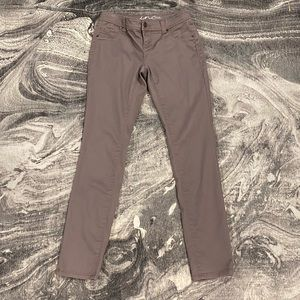 🖐🏼 5 for $25 Mauve colored jeans by INC
